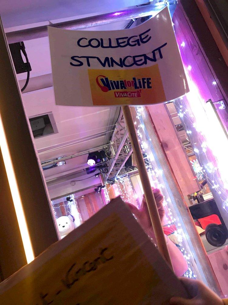 Remise du chèque au profit de Viva For Life