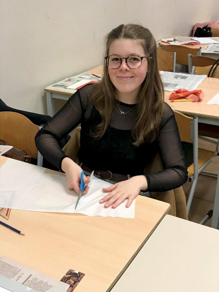 L'illustratrice Catherine Hannecart en visite à l'Institut Technique Saint-Vincent